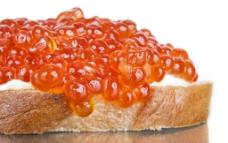 面包上的鱼子酱图片