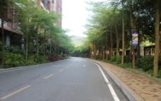 山栈道图片