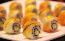 三文鱼寿司图片