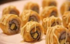 沙拉寿司图片