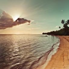夕阳下的大海