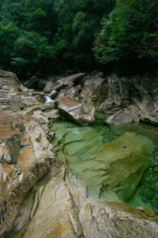 大安源黄冈山大峡谷图片