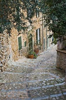 僻静的石板街道