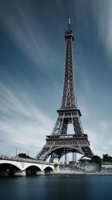 不一样的巴黎埃菲尔铁塔金属风湖面大桥