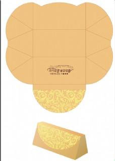 仿费列罗三角形巧克力盒包装设计金色时尚简约
