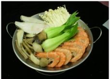 锅仔鲜虾蝶鱼煮菌王图片