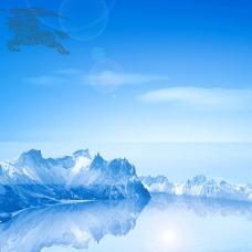 蓝色湖泊山峰背景