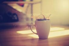 杯 咖啡飞溅 地板 高清网站背景