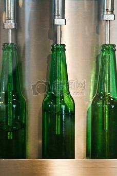 啤酒厂灌装酒水