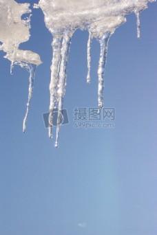 晶莹剔透的冰柱