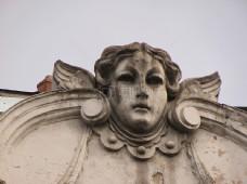 一尊古老的雕像